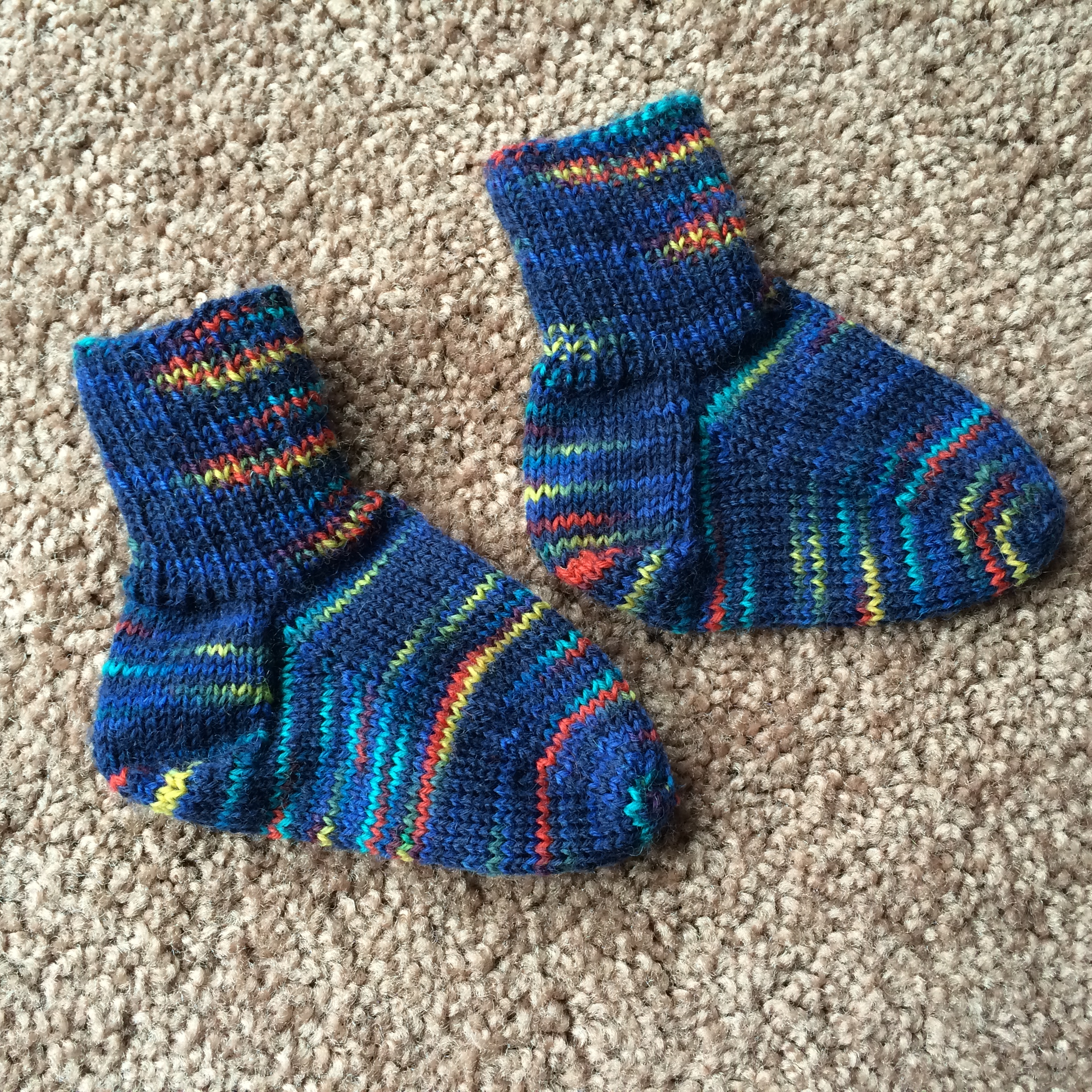 Free Knitting Patterns For Leftover Sock Yarn : Baby Socks knitsbywhit